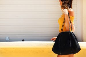 黄色のファッションコーデ