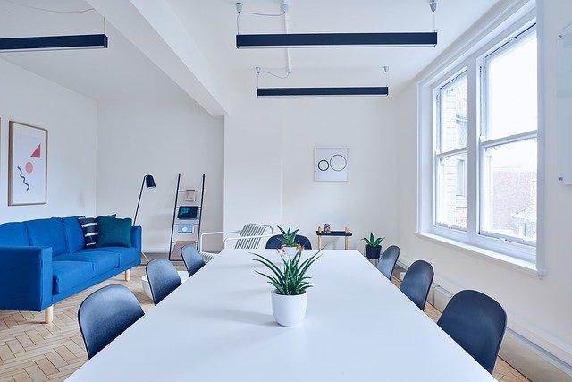 青色の生活家電でリラックスできる自宅空間