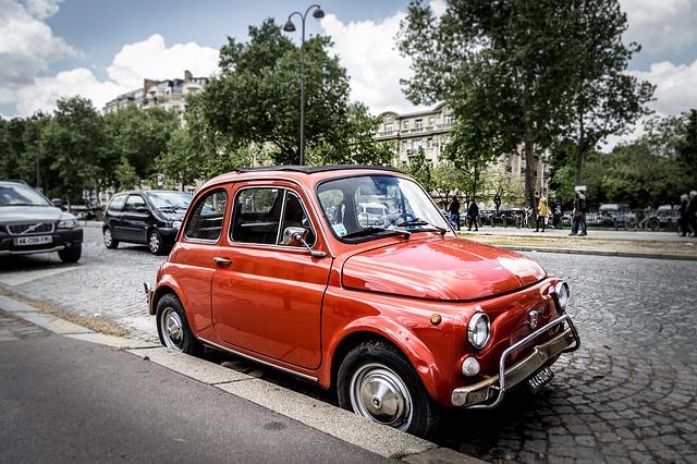 赤い軽自動車はおしゃれ可愛い