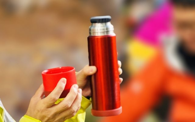 赤色の水筒