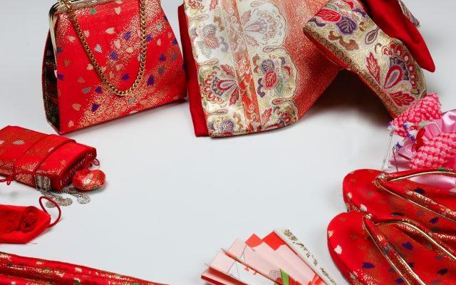 赤色の和装小物大特集