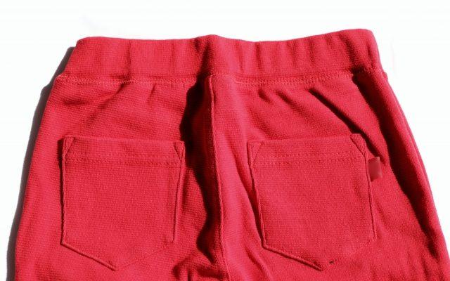 赤色のキッズパンツおすすめコーデ