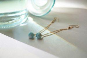 青色ピアスにおすすめ天然石